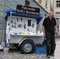Fahrende Raku-Brennerei mit Samuel (klein)